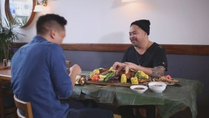 Just like home: Filipinos teach us how to eat with your hands