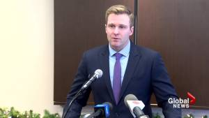 Gallant announces he's stepping down as leader earlier than planned