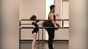 Dad adorably joins daughter's ballet lesson