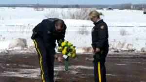 RCMP lay cross at intersection of Humboldt Broncos fatal bus crash