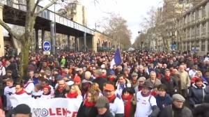 Thousands protest violence of 'yellow vest' movement in Paris