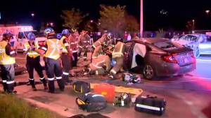 Head-on crash in North York leaves man dead, 4 injured