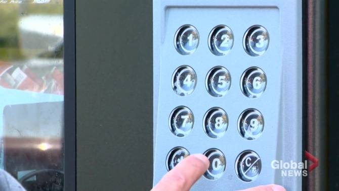 Battleford, Sask. vending machine fighting spread of HIV