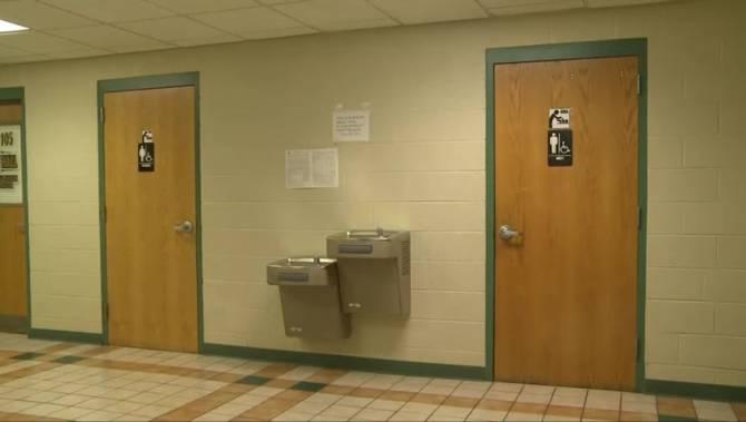 Trump administration scraps obama s guidance on for Transgender bathrooms in schools