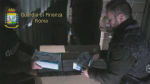 Italian police confiscate 275,000 counterfeit toys and electrical goods
