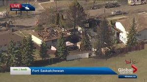 Fire rips through 2 homes in Fort Saskatchewan
