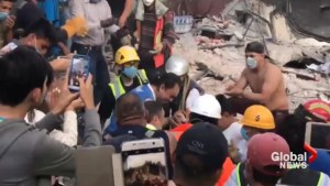Search crews cheer as man pulled from rubble of Mexico earthquake alive