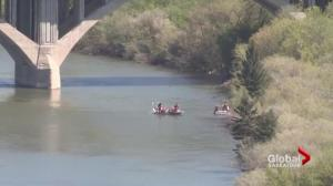 Body found floating in South Saskatchewan River recovered