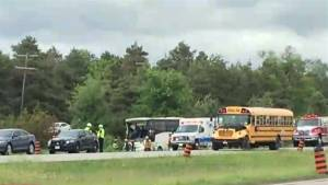 Dozens injured in major bus crash south of Ottawa (02:44)