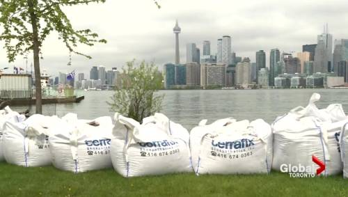 Toronto islands bracing for wind storm