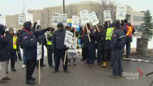 Federal government willing to use back-to-work legislation to end Canada Post strike