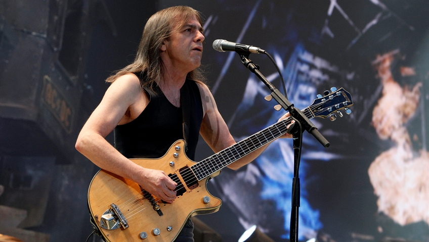 Click to play video 'AC/DC co-founder Malcolm Young dead at 64'
