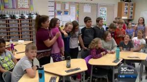 SkyTracker Weather School stops in at École St. Matthew School