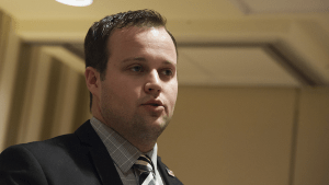'19 Kids and Counting ' star Josh Duggar apologizes for allegedly molesting underage girls