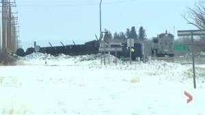 Emergency crews remain on scene of fatal Humboldt Broncos bus crash in Saskatchewan