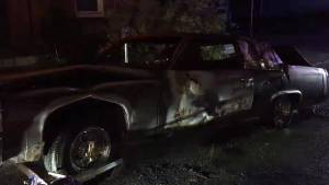 Police investigate suspicious vehicle fire in downtown Kingston (00:42)