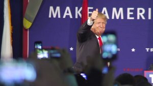 Donald Trump defends proposal on banning Muslims from U.S.