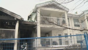Investigators believe smoking was to blame for a fire that started in a Kelowna condo complex last week