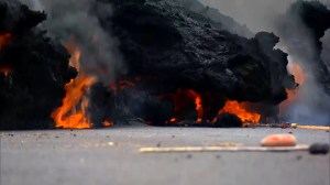 More lava flows into Hawaii communities following eruption, earthquakes