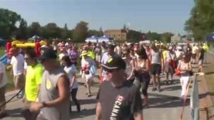 Montreal walk raises awareness about bladder cancer (00:24)