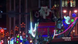 Highlights from the 2018 Winnipeg Santa Claus parade
