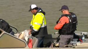 Police continue to search Nelson River after bodies of suspected murder suspects allegedly found (01:16)