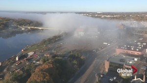 WATCH: Fog rolls down South Saskatchewan River into Saskatoon