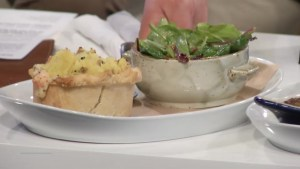 Global News Morning samples some menu items from the Tir Nan Og Irish pub