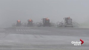 Calgary travelers grapple with heavy snowfall during holiday season