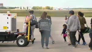 Forest fire evacuees from Poplar River First Nation heading home