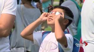Solar eclipse 2017 draws crowds