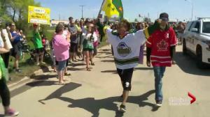 Ontario man completes 1,200 km walk for Humboldt Broncos