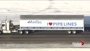 Truck convoy rolls through Calgary on the way to Ottawa