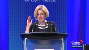Premier Notley wades into licence plate spat with Saskatchewan