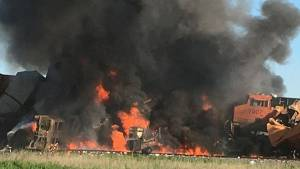 Train collision erupts into massive inferno in Texas panhandle (01:29)