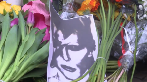 People around the world react to David Bowie's death
