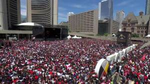 Raptors victory parade: Thousands sing 'O Canada' during celebration