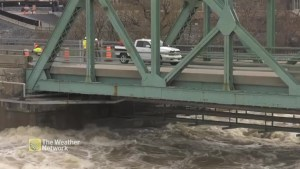 Ottawa's Chaudière Bridge closed due to high water levels