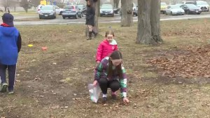 Kingston families enjoy hunting for Easter eggs at Lake Ontario park