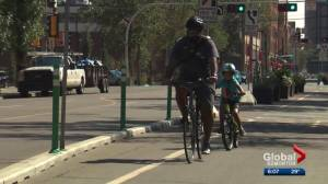 Cyclists call tacks found on Edmonton bike lanes 'upsetting' (01:41)