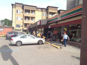 Teen struck at Kelowna convenience store