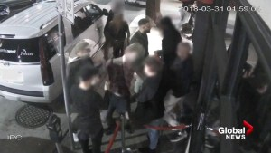 Vancouver Police search for suspects in Yaletown assault captured on video