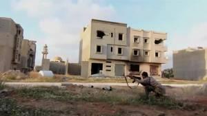 Libyan army clash with Islamic militants in Benghazi