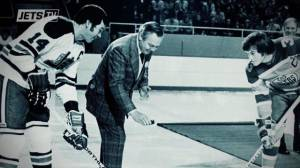 Winnipeg hockey legend honoured with Hall of Fame entry