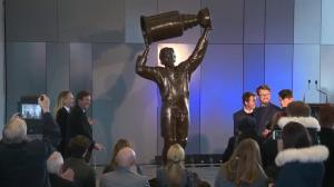 Wayne Gretzky helps unveil celebrated statue at new Rogers Place arena