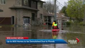 Quebec floods: Hundreds of homes destroyed