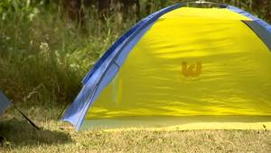 New campers learn the ropes with Saskatchewan's Camp-Easy campsites (02:02)