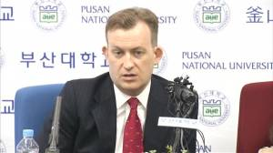 Family that went viral during hilarious BBC interview holds press conference in South Korea
