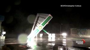 Hurricane Florence's powerful winds, rain pound Carolinas
