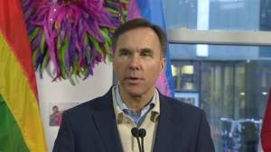Goal is to enabling Canada Post workers to get back to work and leave both sides satisfied: Morneau (01:06)